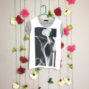 Zara Collection white and gray tulip graphic Tee.
